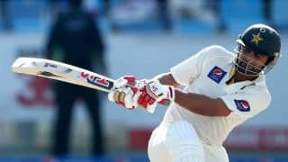Pakistan 82/1 at lunch on Day 1 of 2nd Test against Australia