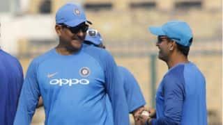 किसी भी 26 साल के खिलाड़ी को हरा सकते हैं महेंद्र सिंह धोनी: रवि शास्त्री
