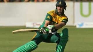 Bangladesh can just bowl and pray for AB de Villiers' dismissal: Chandika Hathurusingha