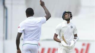 भारतीय बल्लेबाजों को स्कूली बच्चों जैसी गलतियां करने से बचना होगा: रवि शास्त्री