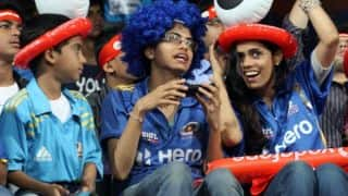 Mumbai Indians vs Sunrisers Hyderabad, IPL 2015, Match 23 at Mumbai: 17,000 children cheering for hosts
