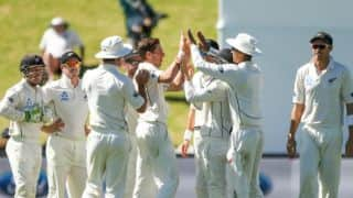 New Zealand bowlers restrict Bangladesh's lead to 193 at lunch on Day 5
