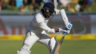 County Championship: Second fifty for Murali Vijay keeps Essex on track for win