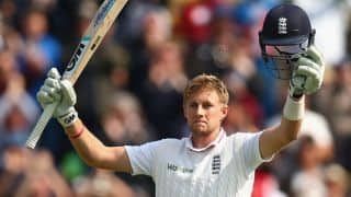Joe Root scores 50 after Mitchell Johnson takes 2 wickets in 3 balls on Day 2 of 3rd Ashes 2015 Test at Edgbaston