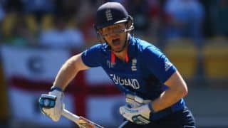 Strauss gives ENG players 3-day deadline