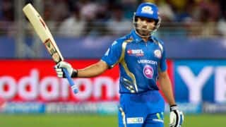 Rohit Sharma helps Mumbai Indians in run chase against Kings XI Punjab in IPL 2014