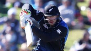 Daniel Vettori run out for 5 by Jeevan Mendis