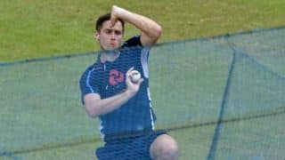Woakes dismisses concerns surrounding dodgy knee