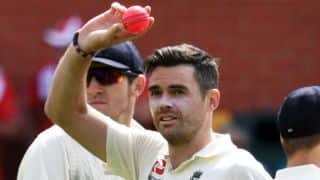 Anderson takes maiden 5-for in Australia; England need 354 to win