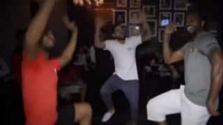 Chris Gayle does Bhangra along with Virat Kohli, Mandeep Singh after qualifying for IPL 2016 final