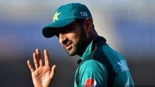 2nd ODI: Mohammad Hasnain debuts as Pakistan opt to bat