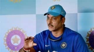 'टीम इंडिया के हेड कोच रवि शास्त्री के अनुबंध में बढ़ाने का अनुच्छेद नहीं'