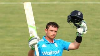 Ian Bell leads England to 303/8 against Australia in 4th ODI at Hobart