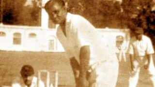 Photo: When Dhyan Chand tried his hand at cricket