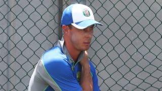 कोलकाता नाइट राइडर्स के धाकड़ बल्लेबाज क्रिस लिन पर आईपीएल से बाहर होने का खतरा !