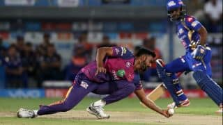 IPL 10 final: Watch Unadkat stunning catch in follow-through during MI vs RPS clash