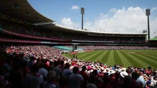 SCG management reluctant to apologise to woman over refusing entry for inappropriate dressing sense