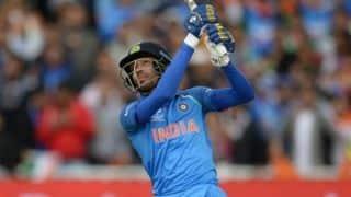 हार्दिक पांड्या की आतिशी बल्लेबाजी, 5 छक्कों की पारी से बदला मैच
