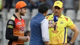 MS Dhoni trolls Sanjay Manjrekar at IPL 2018 Final toss; Twitterati erupt in laughter