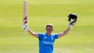 Women's Ashes 2015: Charlotte Edwards wishes to continue as England captain