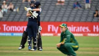 England sneak into final leaving South Africa in tears