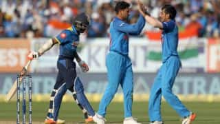 Yuzvendra Chahal, Kuldeep Yadav wrap up Sri Lanka for 215 in 3rd ODI at Visakhapatnam