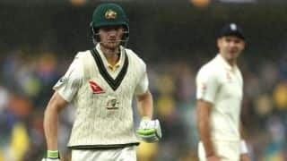 Rain dampens first session; Australia 33-0