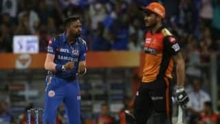 MI vs SRH LIVE: Manish Pandey wages lone battle, SRH 115/5 in 16 chasing 163 to win vs Mumbai Indians