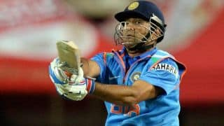 Suresh Raina falls as India slip further against New Zealand