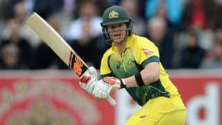 Steven Smith out for 12; Australia 36/2 after 10 overs against England in 5th ODI at Old Trafford