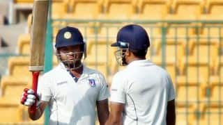 Ranji Trophy 2013-14 quarter-finals: Karnataka eye victory over Uttar Pradesh at lunch on Day 4