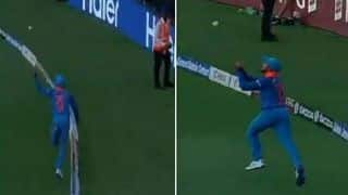 Twitterite hails Manish Pandey's sensational catch at boundary line