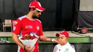 IPL 2018: Yuvraj Singh Meets Young Fan Suffering From Cancer