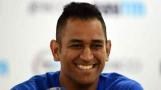 VIDEO: MS Dhoni reacts following failure to score 11 runs in final over of 1st ODI against South Africa