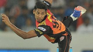 Mustafizur Rahman overcomes language barrier in IPL 2016