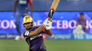 Uthappa and Pandey dismissed by Akshar Patel