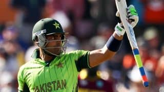 IPL 2016: Umar Akmal congratulates Warner on winning PSL