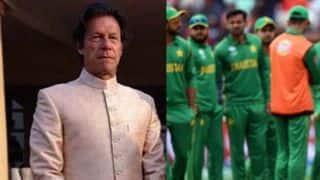 पूर्व क्रिकेटर ने पाक के खराब प्रदर्शन पर इमरान खान से कर डाली कार्रवाई की मांग