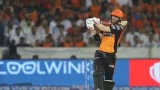 हैदराबाद vs बेंगलुरू: विराट कोहली ने टॉस जीता, पहले गेंदबाजी का फैसला