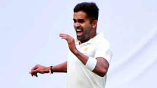 Ranji Trophy 2017-18, 4th quarter-final: Vinay Kumar's heroics puts Karnataka ahead of Mumbai on Day 1