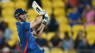 Mohit Sharma's tight bowling for India stifles England in 2nd ODI