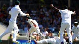 Bavuma defies law of gravity; pulls off an implausible run out to get rid of Warner