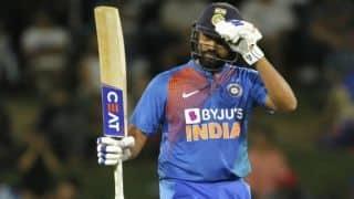 न्यूजीलैंड के खिलाफ अर्धशतक जड़े विराट कोहली से आगे निकले रोहित शर्मा