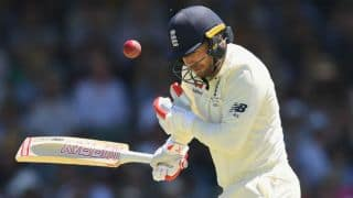England dance to Australia's chin music; stutter at 175-4