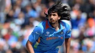 India bowlers maintain pressure on Australia in 2nd ODI at Brisbane despite dropped catches