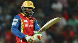 Chris Gayle dismissed for 41 by Suresh Raina in Royal Challengers Bangalore vs Chennai Super Kings IPL 2015 QF 2