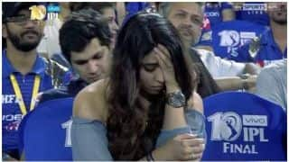 A mysterious girl becomes talk of the Town during IPL 10 final between Mumbai Indians and Rising Pune Supergiant, Find out who she is?