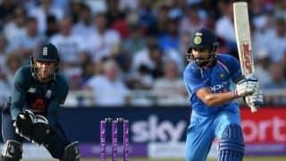 इंग्लैंड के खिलाफ पहले वनडे में कोहली ने जडे़ दो अर्धशतक