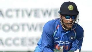 महेंद्र सिंह धोनी का कमाल, एक मैच में बनाए दो वर्ल्ड रिकॉर्ड