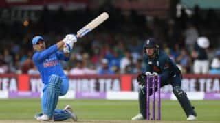 धोनी की बल्लेबाजी देख गावस्कर को याद आई अपनी सबसे सुस्त पारी